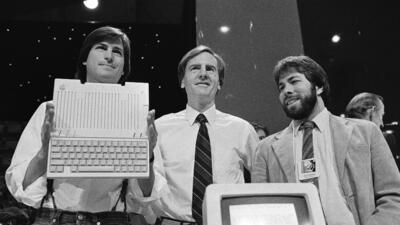 Cómo Apple pasó de la bancarrota en 1997 a ser la empresa de mayor valor en bolsa, en 13 imágenes