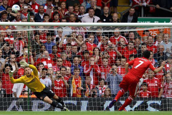 El Liverpool arrancó complicado su primer partido en la Liga Premier. Tu...