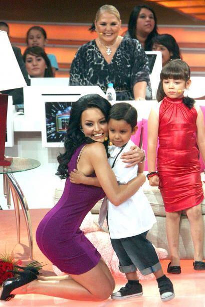 Y fueron muy felices, mientras que Telesa se quedó mirándolos.