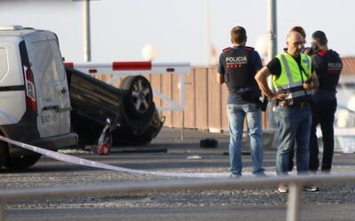 Sitio donde volcó el automóvil con los cinco terroristas e...