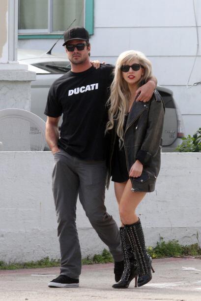 ¿Quién tiene la razón? ¿Será posible que Gaga trata de ocultarlo?