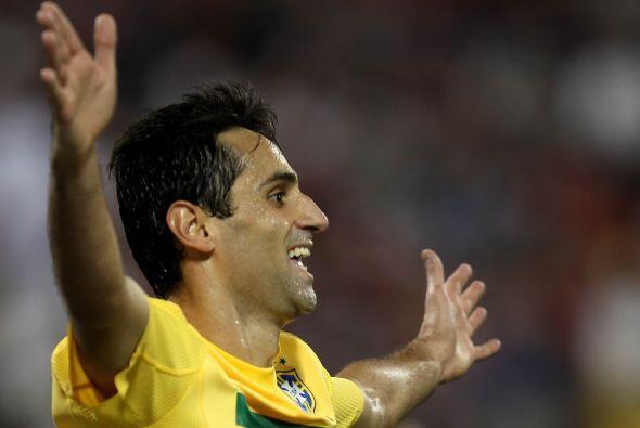 Después de un remate de cabeza de Fernandinho, llegaría de nueva cuenta...
