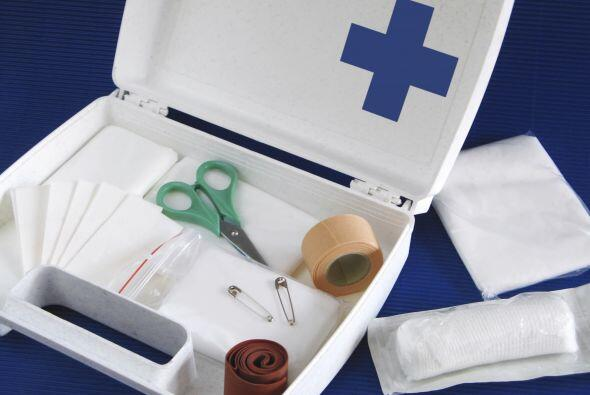 Botiquín de primeros auxilios. Es totalmente indispensable. Ya sea porqu...