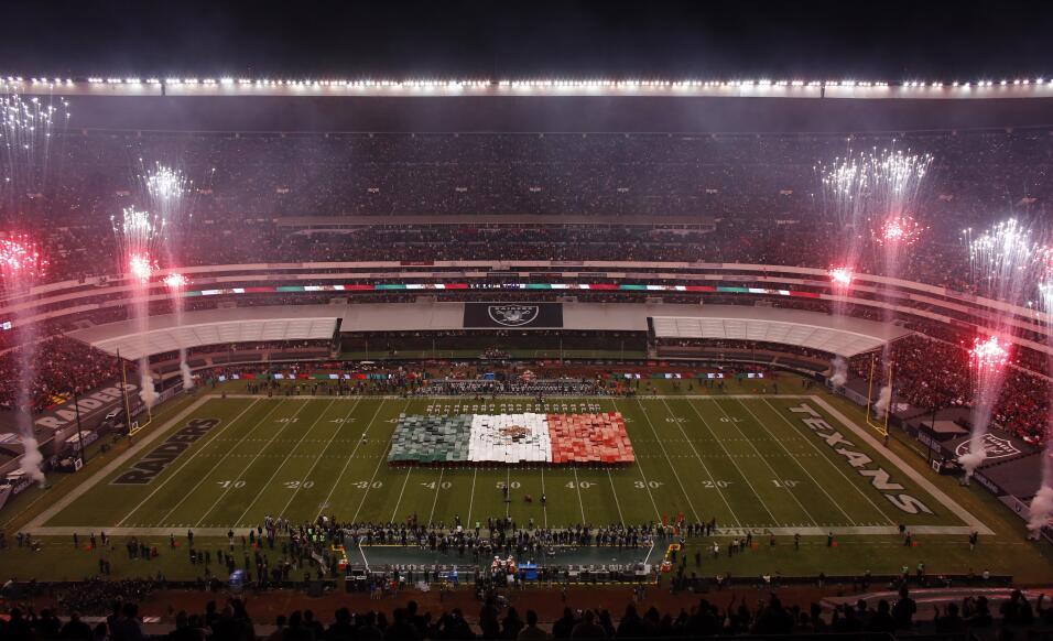 Raiders vino de atrás y remontó a los Texans en medio del frenesí mexica...