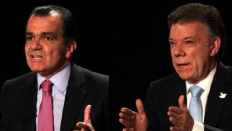 Los candidatos presidenciales pelean por los votos de sus rivales en la...