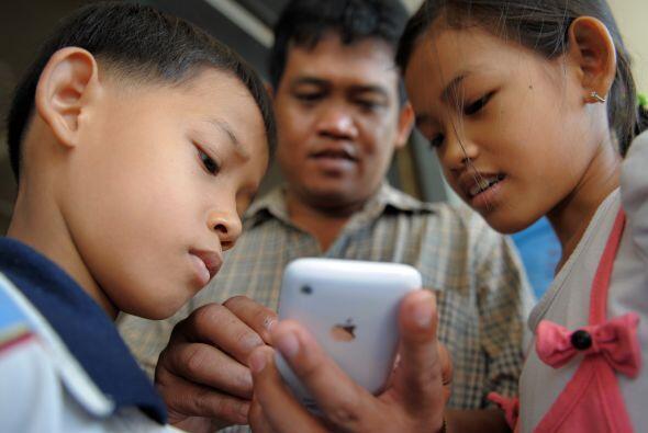 Los 'gadgets' no sólo pueden amenazar la salud física de tus hijos, sino...