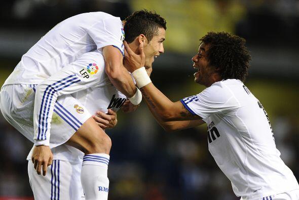 Con este gol, no sólo ganaba 2-0 el cuadro blanco, Cristiano pasaba a la...
