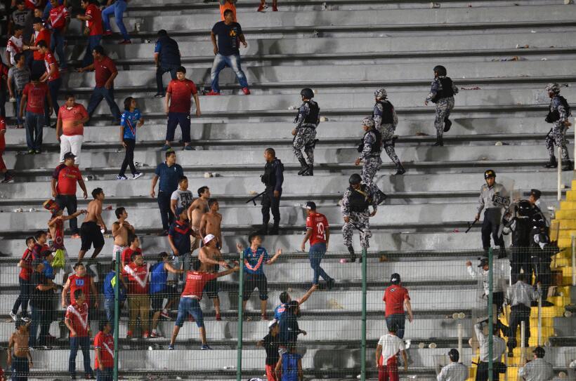 La violencia se desató en la tribuna tras el Veracruz vs. Tigres