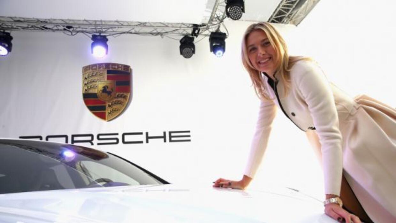 Sharapova presentó una edición especial del Panamera diseñada por ella.