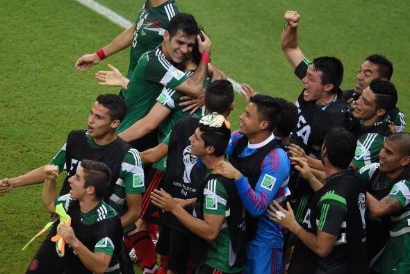 Ya en Brasil 2014, México logró avanzar a Octavos consiguiendo siete uni...
