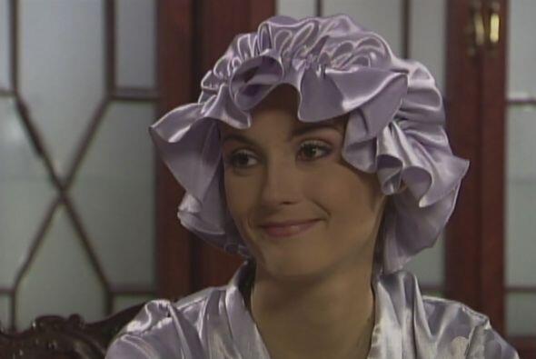 Desde muy joven Estefanía, la tía de Dulce María empezó a usar pelucas.