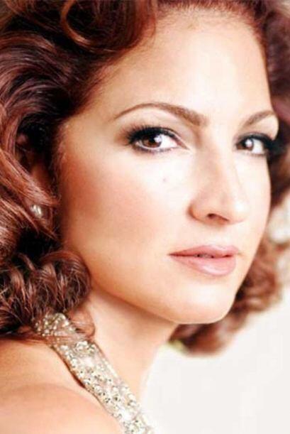 """""""Mi Tierra"""" de Gloria Estefan fue el tercer álbum de la artista como sol..."""