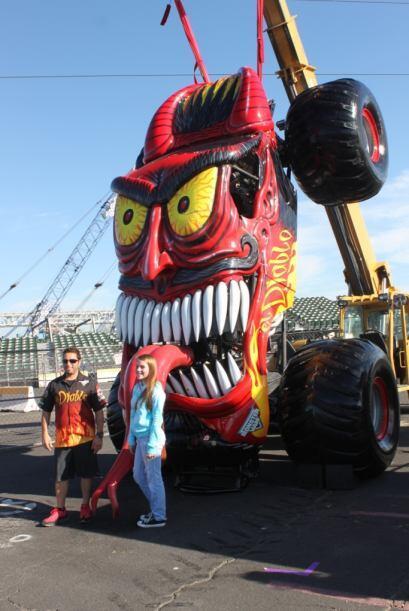 Monster Jam visitó la Bahía