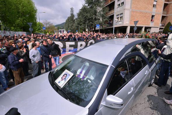 Miles de personas asistieron en la ciudad norteña de Bérga...