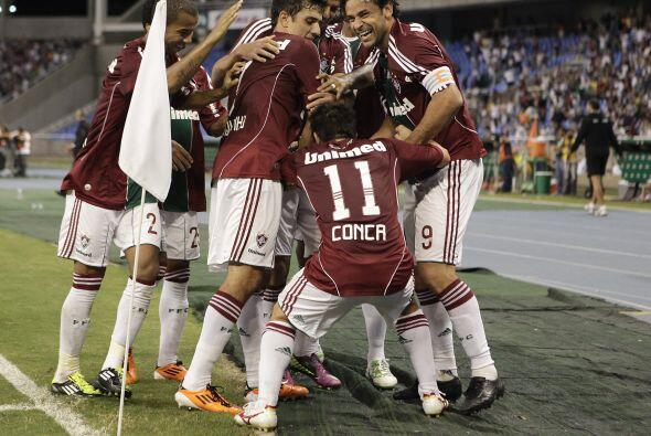 Festejo del Fluminense en su estadio Olímpico de Rio de Janeiro, venció...