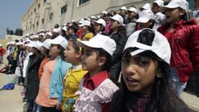 Los niños de la canción contaron también con la ayuda de los mayores de...
