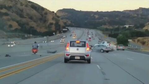 Buscan a conductor prófugo que desencadenó aparatoso accidente vehicular...