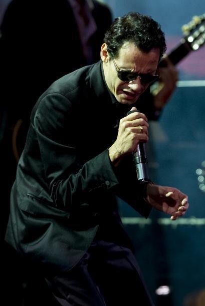 """Su show inició con """"Aguanile"""". El cantante fue uno de los más esperados..."""