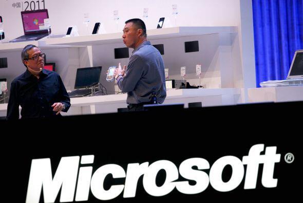 Microsoft intentó sin éxito comprar Yahoo en 2008, incluso al grado de o...