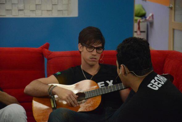 George disfrutó la música de Alex, quien parecía ser el cuarto integrant...