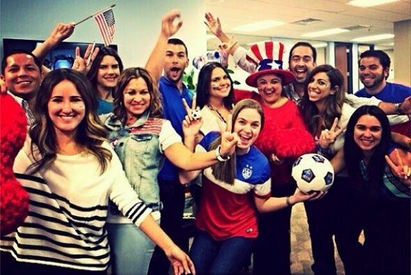 """""""¡Estamos más que listos para apoyar al equipo de todos! #AreYouReady #T..."""