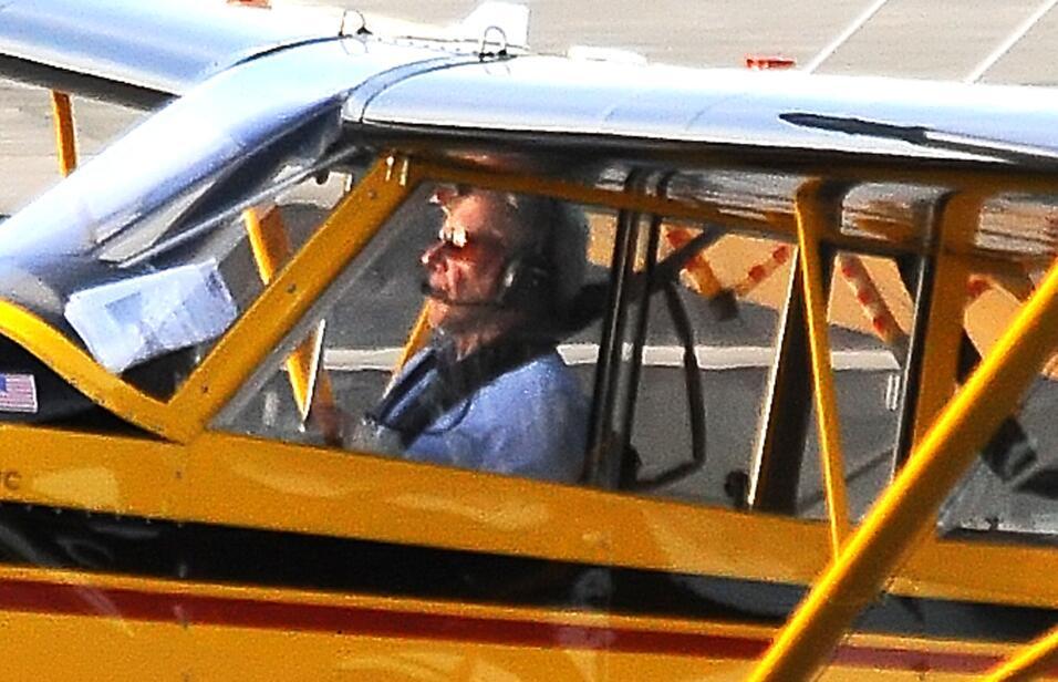 Un día después del incidente en el aeropuerto John Wayne, del condado Or...