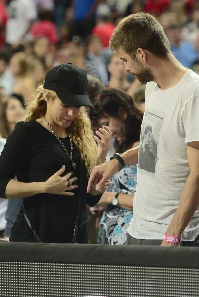 Shakira había optado por usar blusitas holgadas que nos hacían cuestiona...