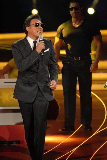 Luis Miguel estaba en el foro de Pequeños Gigantes para cantar junto Bri...