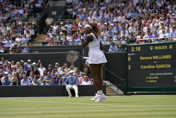 La cinco veces campeona en el césped londinense, Serena, se impuso fácil...