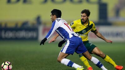 Porto domina, pero empata sin goles ante Paços Ferreira; Herrera y Corona fueron titulares