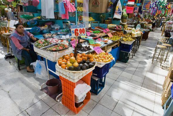 La superstición de los mexicanos se satisface en los puestos de los merc...