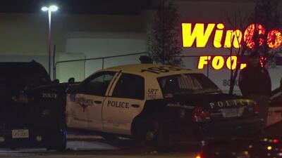 Oficial de policía de Dallas que acudía a un llamado de emergencia termina estrellando su patrulla