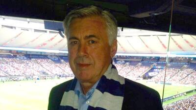 Carlo Ancelotti apoyando a los Vancouver Whitecaps