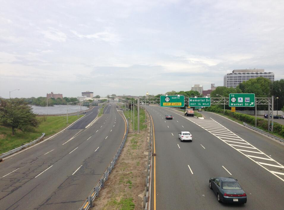 La Ruta 29 en Trenton, Nueva Jersey, Su construcción destruy&oacu...