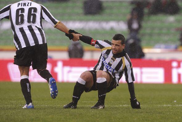 El goleador se destapó con un 'hat-trick'.