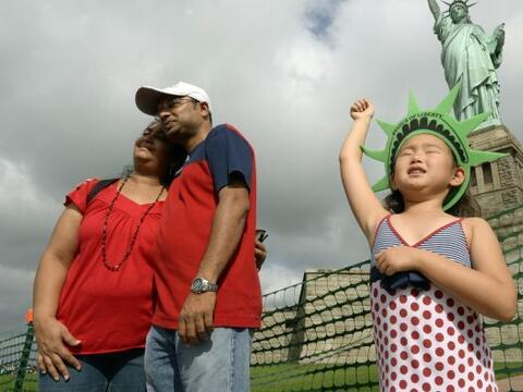 Ocho meses después del devastador pasaje del huracán Sandy...