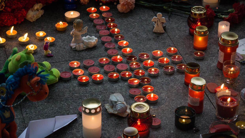 Homenaje a las víctimas del avión ruso.