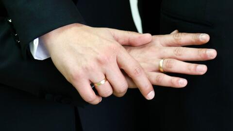 Empresa ofrece bodas gratis para homosexuales ante la incertidumbre por...