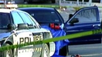Policía de Lancaster muere en un tiroteo en donde hubo otras dos muertes...