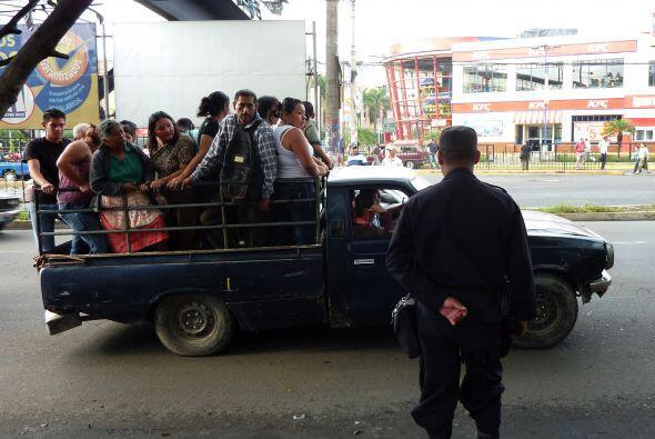 Unos 50 pandilleros fueron detenidos, acusados de amenazas y extorsión a...