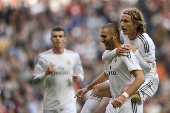 Benzema, que había dado el pase del primer gol, hizo el segundo. El fran...