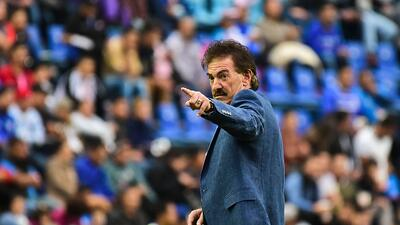 Ricardo La Volpe quiere dirigir a Racing Club