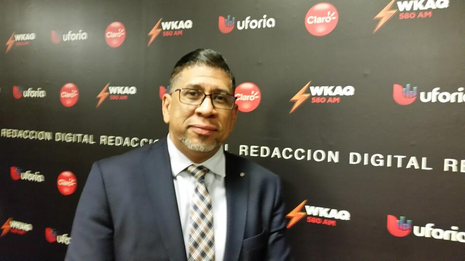 Javier Cosme Actual Director de Noticias y contenido.   Ha convertido...