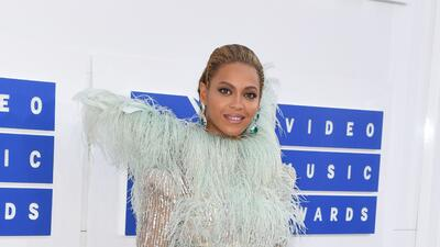 15 looks que recordar si te perdiste los MTV Video Awards (por andar cantando Juan Gabriel)