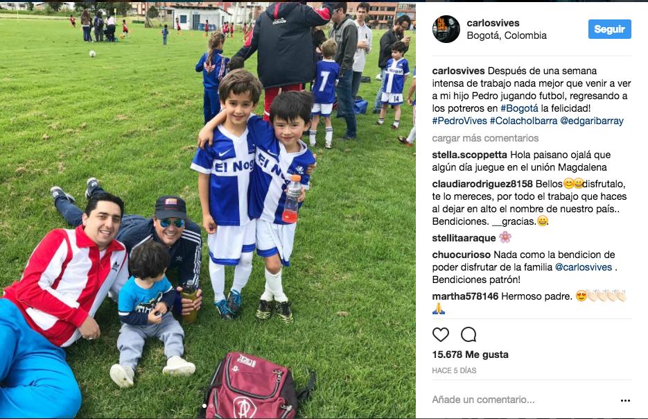 Se da tiempo de ver jugar futbol a su pequeño hijo Pedro Vives.