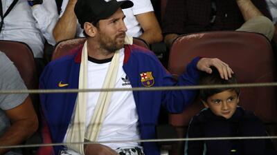 Aún como aficionado, Messi es idolatrado por la afición del Camp Nou