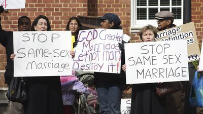 Las agencias de adopción religiosas en Oklahoma podrán discriminar a las familias LGBT