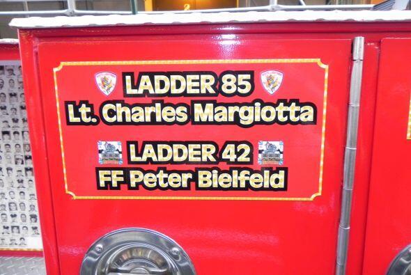 Carro bombero recuerda a sus caídos el 9/11 3f4013fe31e54cc79c0b0ff6e2bd...