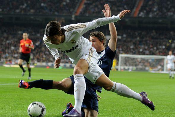 En la segunda parte hicieron tres cambios, dando ingreso a Mesut Öz...