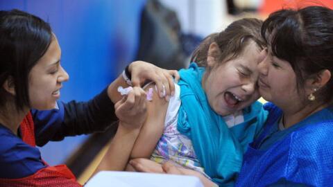 Las autoridades de salud indican que nunca es tarde para vacunar a los n...